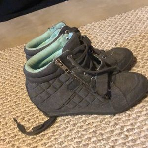 Size 3 justice shoes